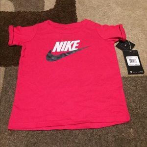 Logo Nike Shirt